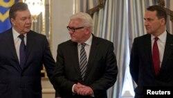 Президент Украины Виктор Янукович, главы МИД Германии и Польши – Франк-Вальтер Штайнмайер и Радослав Сикорский (Киев)