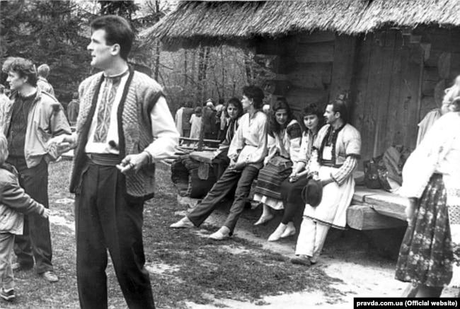 Георгій Гонгадзе на першому фестивалі «Червона рута». Чернівці, 1989 рік