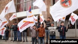 Armenia - Children wave the ruling Republican Party's flags at an election campaign rally in Aragatsotn province, 20Mar2017.