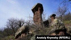 В Крымские горы к каменным «грибам» (фотогалерея)