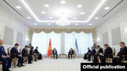 Государственный визит Алмазбека Атамбаева в Узбекистан. Ташкент. 5 октября 2017 года.