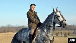 تصاویر رهبران کره شمالی را رسانههای رسمی آن کشور -تنها رسانههای موجود- منتشر میکنند
