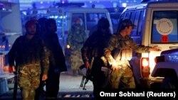 Поліція на місці вибуху в Кабулі, Афганістан, 20 листопада 2018 року