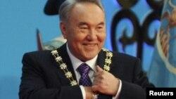 Қазақстан президенті Нұрсұлтан Назарбаев президентті ұлықтау рәсімінде. Астана, 8 сәуір 2011 жыл