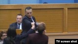 Министерот за внaтрешни работи на РС удри пратеник