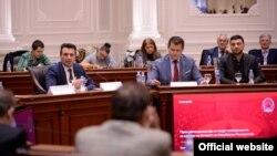 Јавна дискусија за нацрт амандманите во Владата на Република Македонија.