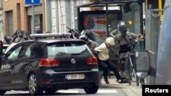 Салах Абдесламды тұтқындау сәті. Брюссель, 18 наурыз 2016 жыл.