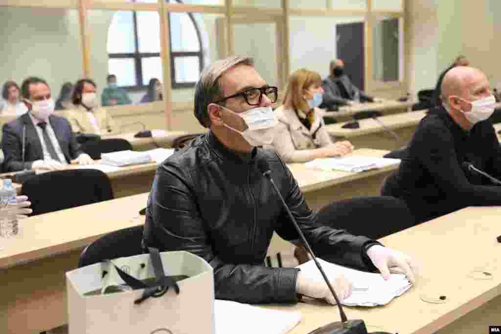 МАКЕДОНИЈА - Пред вас е идниот лидер на оваа земја, бидејќи не учествувам во кривично правен настан, туку во политички прогон и 11 месеци сум држен во притвор, рече обвинетиот Бојан Јовановски, познат како Боки 13 во завршниот збор за случајот Рекет.