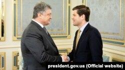 Зустріч президента України Петра Порошенка із помічником держсекретаря США у справах Європи і Євразії Вессом Мітчеллом, 2 травня 2018 року
