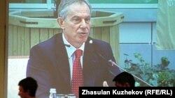 Тони Блэр Астанада өткен шетелдік инвесторлар кеңесіне қатысып отыр. 18 мамыр 2011 жыл