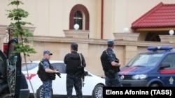 Грозныйдағы полиция қызметкерлері. Көрнекі сурет.