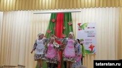 Баулыда фольклор фестивалендә язулар