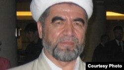 Muhammad Sodiq Muhammad Yusuf Ozodlik radiosining siyosiy, ijtimoiy lavha va dasturlarini tayyorlashda hissa qo'shgan.