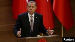 Türkiýäniň prezidenti Rejep Taýýyp Erdogan. 26-njy noýarb, 2015 ý.