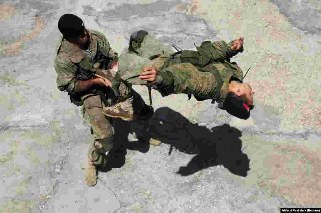 Russian Marines perform during a training session in Sevastopol,Crimea. (Reuters/Aleksei Pavlishak)