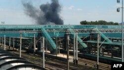 Дым над вокзалом в Донецке, 21 июля 2014 года