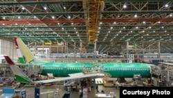 """Ҳавопаймои """"Boeing 737-900"""" ҳанӯз дар ҳоли бунёд шуданаш дар Сиеттл, ИМА."""