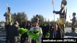 Dünýä türkmenleri Türkmenistanda ýatyrylan Hatyra gününi ýatlaýarlar
