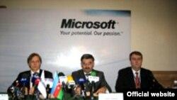 «Windows»un tərcüməsinə həsr olunmuş mətbuat konfransı, 7 aprel 2006