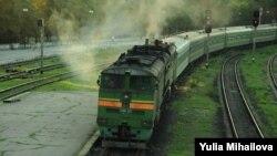 Trenul de la Moscova, intrând în Gara din Chișinău