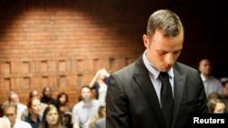 Оскар Писториус на суде по своему делу, февраль 2013 года. Претория, ЮАР.