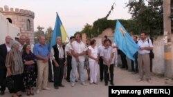 Крымские татары ждут приезда Мустафы Джемилева, Геническ, август 2014 года