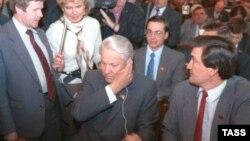 Борис Ельцин среди депутатов, 29 мая 1990 г