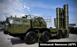A Russian S-400 air-defense missile system