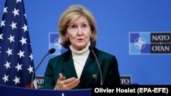 Представитель США в НАТО Кей Бейли Хатчинсон