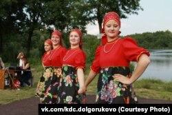 Танцевальный ансамбль поселка