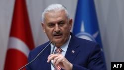 Turkiya transport va aloqa vaziri Binali Yildirim.