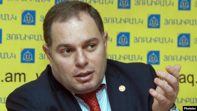 Armenia -- Hovhannes Sahakian, MP from ruling Republican Party, at a press conference, Yerevan, 26Mar2012