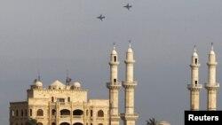 Российские военные самолеты на сирийским городом Латакия