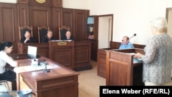Заседание апелляционной коллегии по рассмотрению жалобы жертвы пыток Николая Синявина и жалобы ДВД Карагандинской области. Караганда, 23 июня 2016 года.