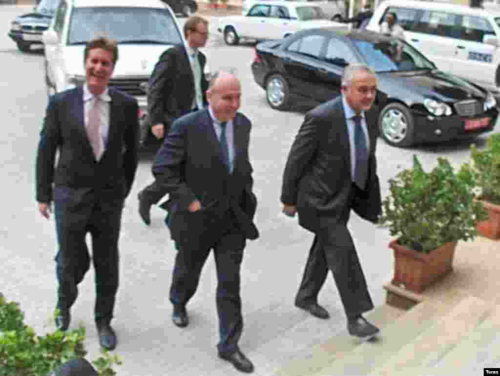 """U.S. Minsk Group co-Chairman Matthew Bryza (left) and his fellow co-chairs arrive in Baku in October (Turan) - U.S. Deputy Assistant Secretary of State Matthew Bryza, the U.S. co-chair of the Minsk Group tasked with negotiating a settlement of the Nagorno-Karabakh dispute between Armenia and Azerbaijan, made headlines by telling RFE/RL in June that a solution requires more """"political will"""" from the leaders of the two countries."""