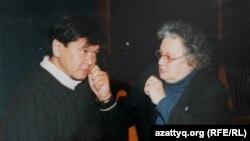 Лидер общественного движения «Поколение» Ирина Савостина и казахстанский политик Ермухамет Ертысбаев. Фото из личного архива Савостиной.