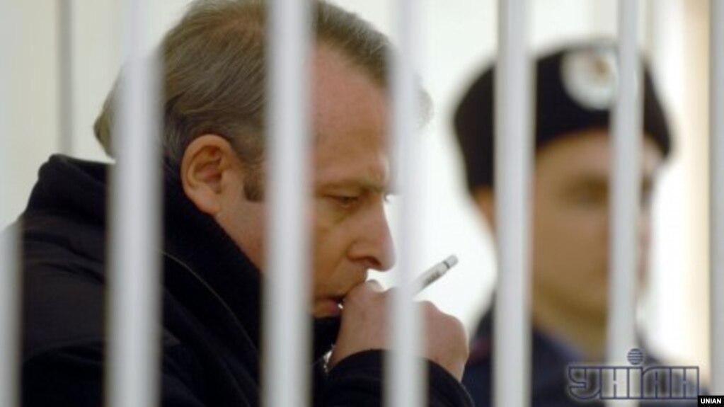 Віктор Лозінський під час суду у справі про вбивство Валерія Олійника, грудень 2010 року