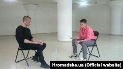 Художник-акціоніст Петро Павленський і колишня ув'язнена в Росії Надія Савченко