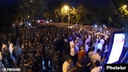 На месте протестов в Ереване 11 сентября