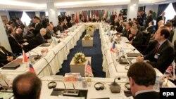 سفیر آمریکا می گوید با هیئت نمایندگی ایران در جریان کنفرانس بغداد گفت وگو کرده است