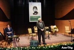 """Yazıçı Anar """"Sabir günlərində"""" çıxış edir"""
