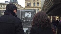Тисячі людей на вулицях Праги згадують 17 листопада 1989 року (відео)