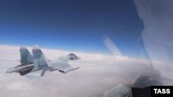 Російський військовий літак Су-27, ілюстративне фото