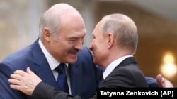 Александр Лукашенко, президенти Беларус ва Владимир Путин, президенти Русия