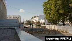 Лестницы на площади Ленина в Симферополе