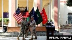 გენერალმა სკოტ მილერმა ავღანეთში აშშ-ის ჯარის მეთაურობა გადასცა სამეთაურო ცენტრის (CentCom) სარდალს, გენერალ ფრენკ მაკკენზის. 12 ივლისი, 2021 წელი