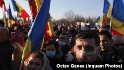 George Simion, unul dintre liderii partidului AUR, la un miting împotriva măsurilor anti-COVID. Inquam Photos/ Octav Ganea