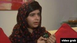 Малала тартылган акыркы видеодон бир көрүнүш