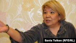 Роза Тулетаева у себя дома после выхода из тюрьмы условно-досрочно. Жанаозен, 20 ноября 2014 года.