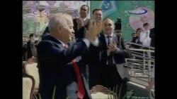 Президент Каримов ва АҚШ элчиси Кролл рақси